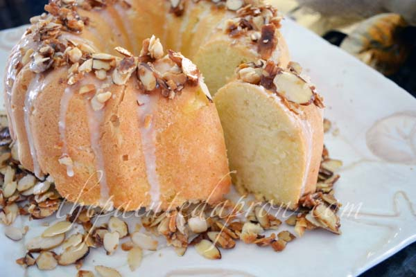 almond toffee crown pound cake