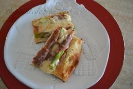 prosciutto asparagus pizza