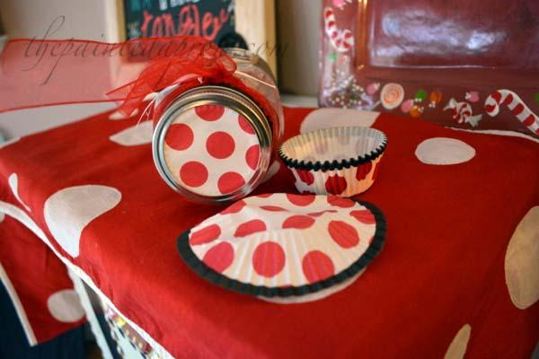 cupcake wrapper jar lid