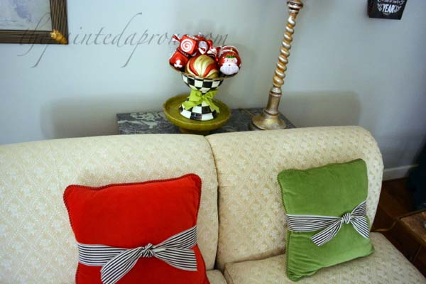 ribbon wrapped pillows