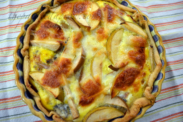 apple, pear, ham and bleu cheese tart