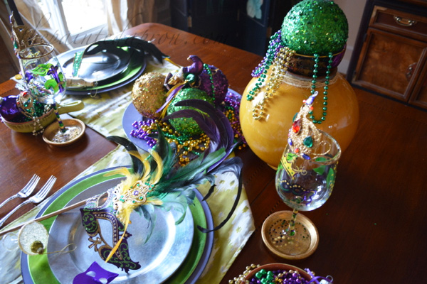 mardi gras table 1
