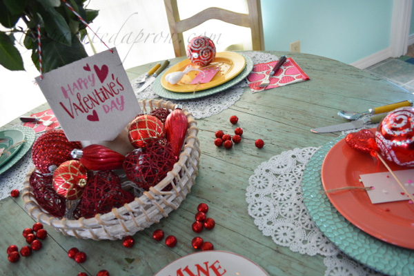 simple Valentine table