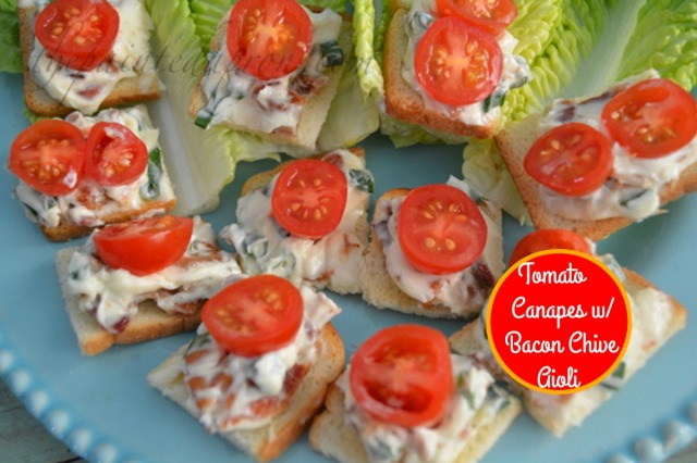 tomato canapés with bacon chive aioli 1