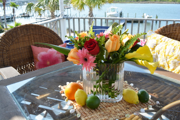 sunny seaside centerpiece