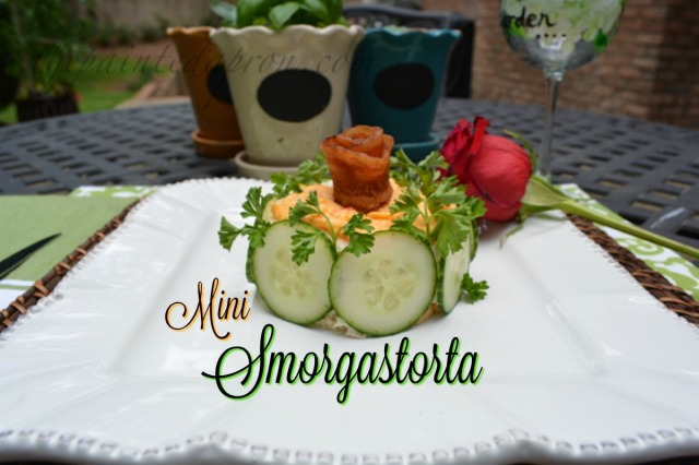 bacon rose topped smorgastorta