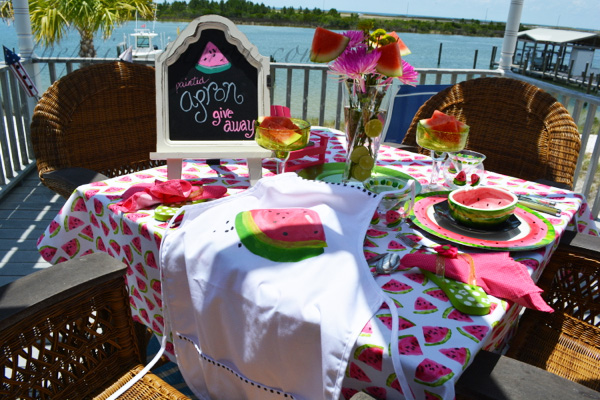 apron giveaway table