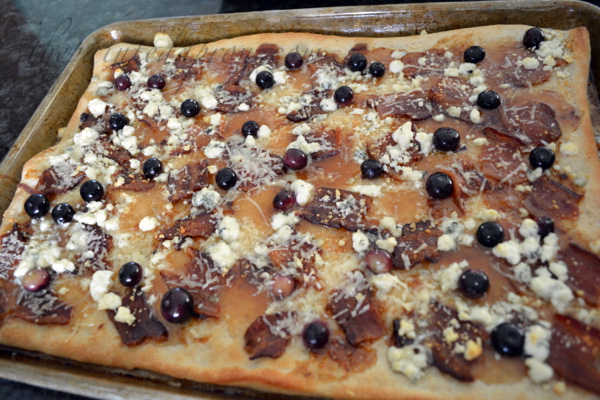 bacon, blueberry fig pizza