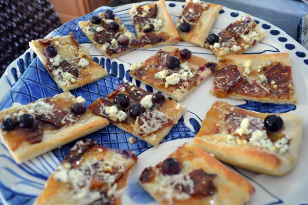 blueberry, fig and bacon flatbread