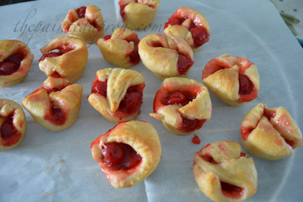 crescent roll mini pies