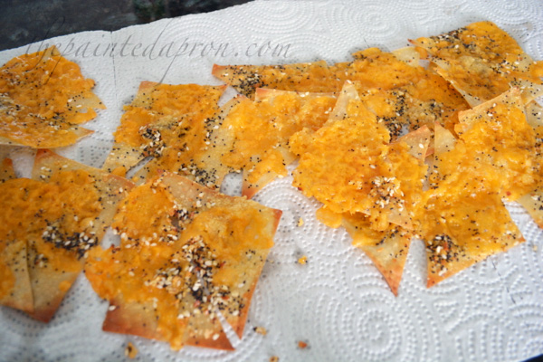 cheesy wonton crackers