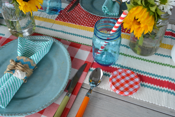 summer picnic place setting