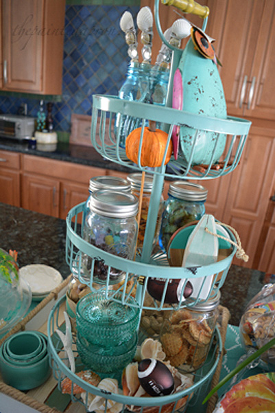 fall-tiered-tray-thepaintedapron-com