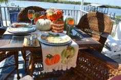 hand-painted-pumpkin-runner-thepaintedapron-com