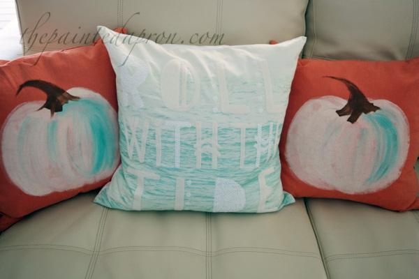 painted-pumpkin-pillows