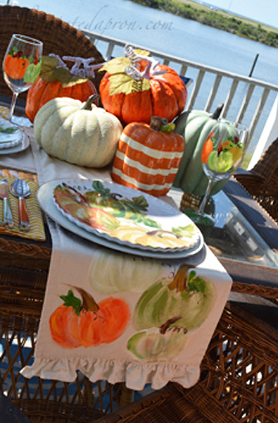 pumpkin-table-runner-thepaintedapron-com