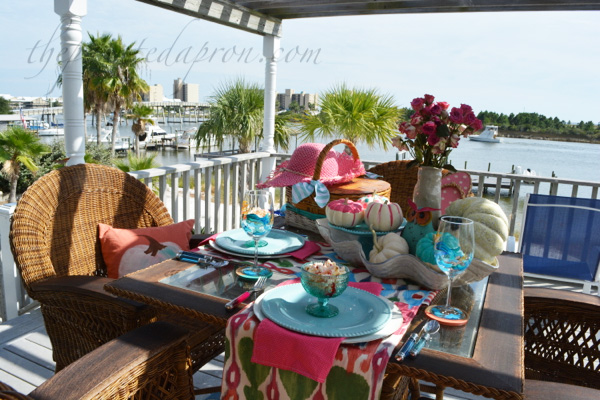 pink-picnic-table-thepaintedapron-com