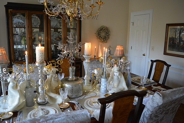 hark-the-herald-angel-holiday-table