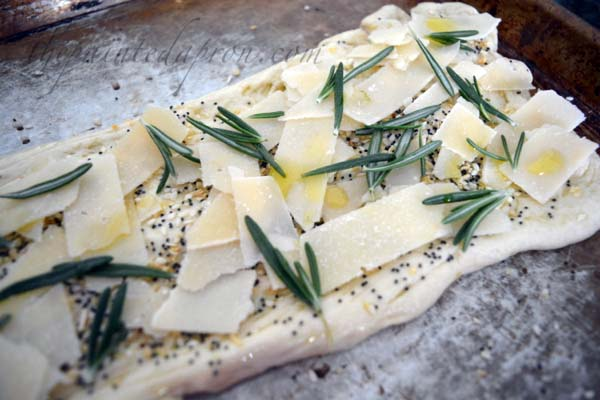 parmesan-rosemary-everything-bread