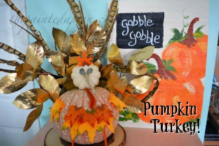 pumpkin-turkey-wfeathers-leaves