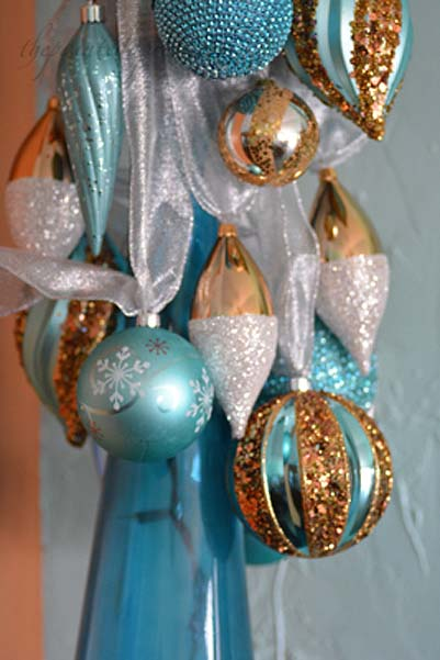 ribbon-tied-ornaments