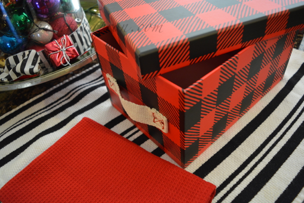 plaid-box