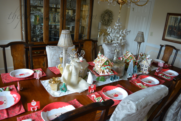 gingerbread-house-centerpiece
