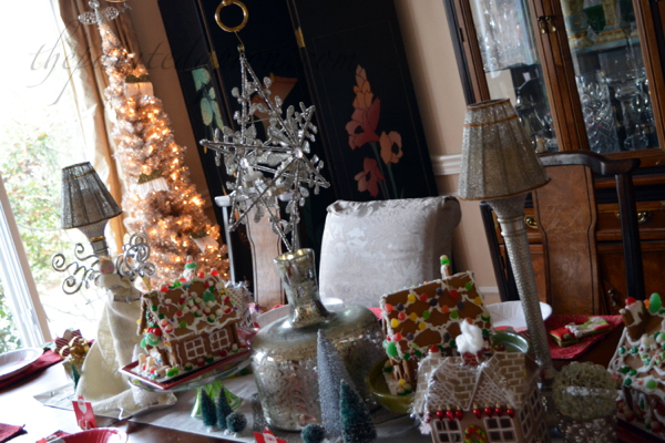 gingerbread-house-table