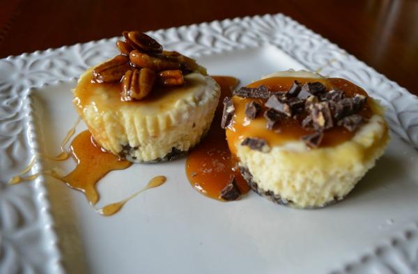 pecan-pie-salted-caramel-cheesecake-cupcakes