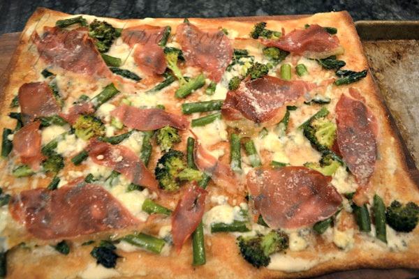 prosciutto-broccoli-asparagus-pizza-104