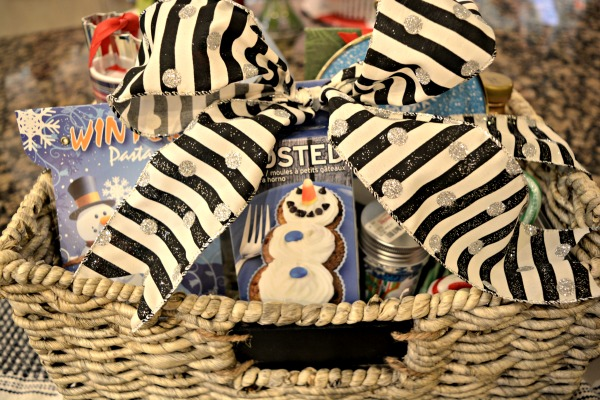 snowman-gift-basket
