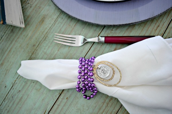 beads-and-jewelry-napkin-ring