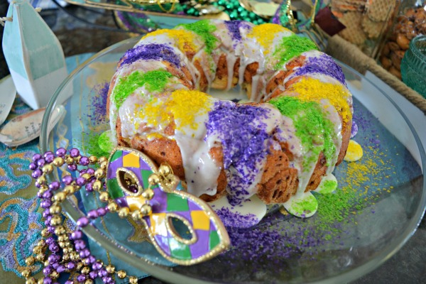 cinnamon-roll-king-cake