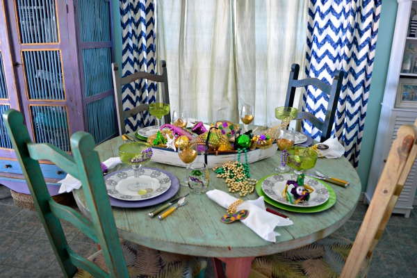 mardi-gras-party-table