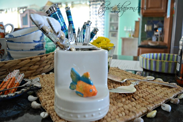 fish-utensil-caddy